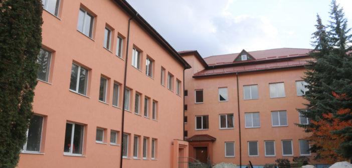 Перинатальний центр у Львові ремонтує фірма, яка надала напівпусту тендерну пропозицію