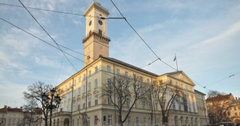 Як витрачають гроші у Львівській міській раді під час пандемії та після змін у законодавстві