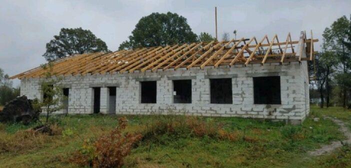 Керівника управління капітального будівництва ЛОДА звинувачують у привласненні 1,3 млн грн на амбулаторіях, будівництво яких рік тому оскаржував ЦМГД